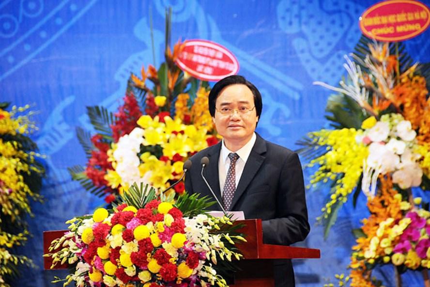 Bộ trưởng Bộ Giáo dục và Đào tạo Phùng Xuân Nhạ.