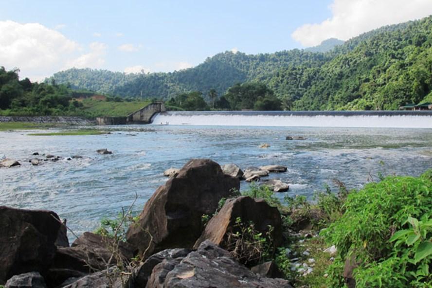 Đập Phà Lài trên sông Giăng (Nghệ An). Ảnh: PV