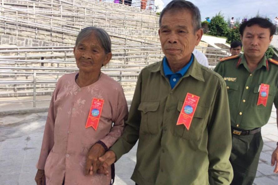 Nhiều thân nhân các gia đình liệt sĩ đã tham dự lễ khánh thành Khu tưởng niệm chiến sĩ Gạc Ma. Ảnh: THANH HẢI