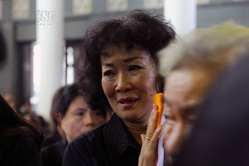 Người thân khóc nghẹn trong đám tang cụ bà hiến hơn 5000 lượng vàng cho Nhà nước.
