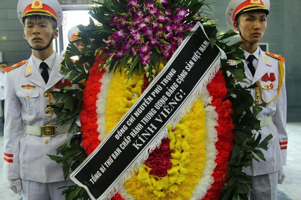 Vòng hoa của Tổng Bí thư Nguyễn Phú Trọng.