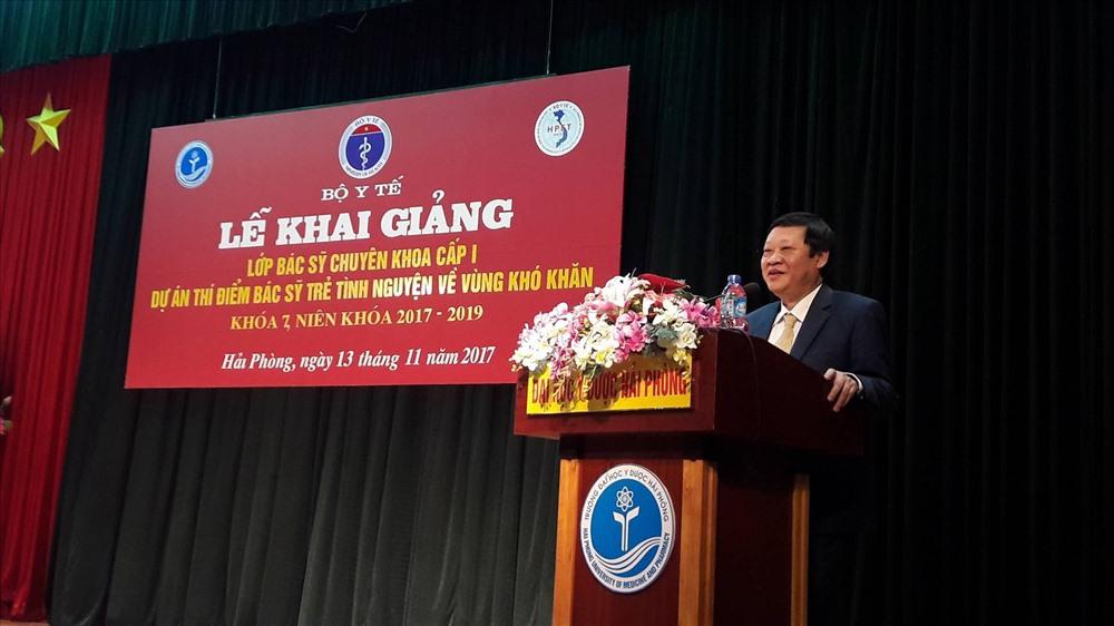 Thứ trưởng Bộ Y tế Nguyễn Viết Tiến phát biểu tại buổi lễ (Ảnh: Thùy Linh)