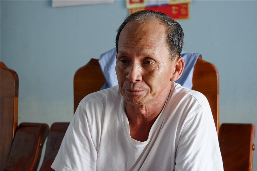 Lo lắng trước tình hình không thể ra khơi của ngư dân, ông Lê Công Kha, đội trưởng đội nghề cá tại Cửa Đại, Hội An cho hay, do ảnh hưởng từ đợt lũ của bão Damrey, nước từ thượng nguồn ồ ạt đổ về cộng với gió lào tạt từ biển vào
