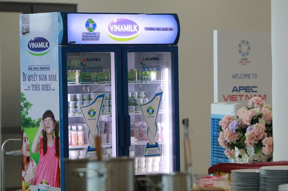 Đa dạng các loại sản phẩm sữa, sữa chua và nước trái cây của Vinamilk được phục vụ trong Hội nghị APEC.