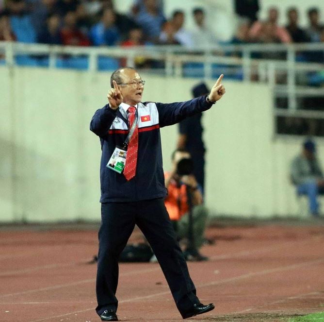 Dù không giành chiến thắng như người tiền nhiệm Mai Đức Chung nhưng HLC Park Hang-seo cũng đã để lại dấu ấn trong lần ra mắt của mình. Ảnh: H.T