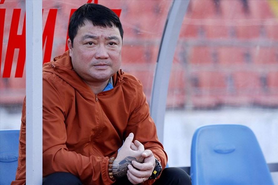 HLV Trương Việt Hoàng cũng được tự mình quyết định việc đi hay ở. Ảnh: H.A