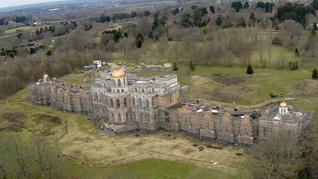 Ông Mugabe sở hữu một phần lâu đài Hamilton ở Sussex, Anh. Ảnh: Listhogs