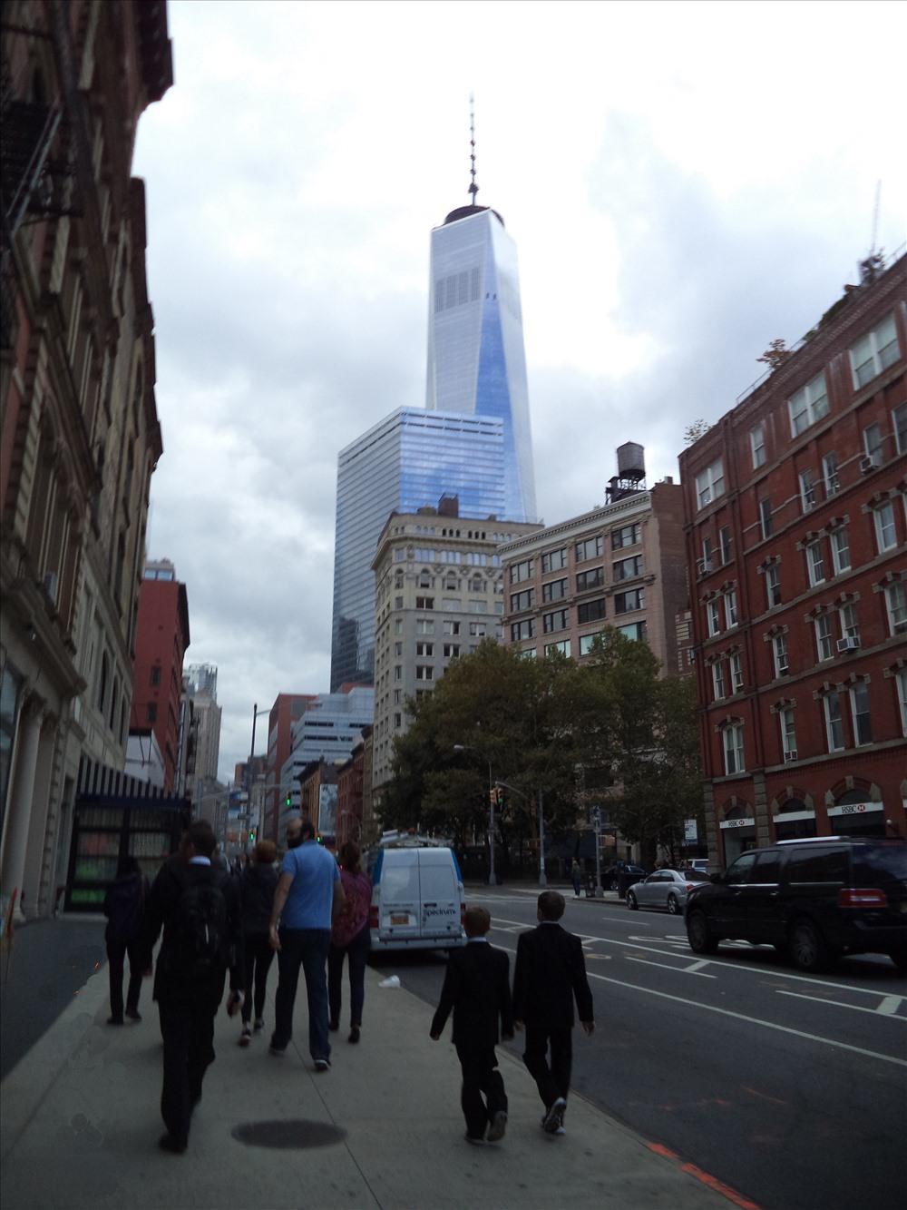 Những tòa nhà chọc trời  có kiến trúc nổi bật  mang nhiều phong thái khác nhau.