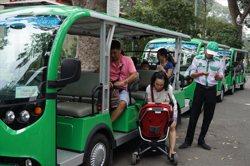 Nhằm tạo điều kiện thuận lợi cho người dân di chuyển, chủ đầu tư đề xuất tuyến buýt đường sông số 1 này được kết nối với 3 tuyến xe điện loại 4 bánh.  Ảnh: M.Q