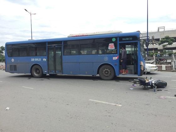 Vụ tai nạn khiến 2 người nguy kịch.