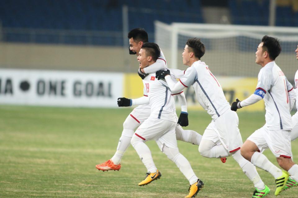 Có thời điểm U23 Việt Nam đã vượt lên dẫn trước Hfn Quốc nhờ siêu phẩm của Quang Hải. Ảnh: 24h.com.vn