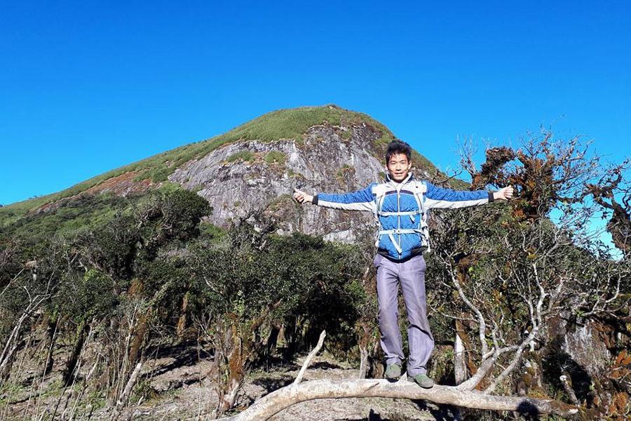 Trang A Tủa trên đỉnh Bạch Mộc Lương Tử. Ảnh: PHẠM HẢI