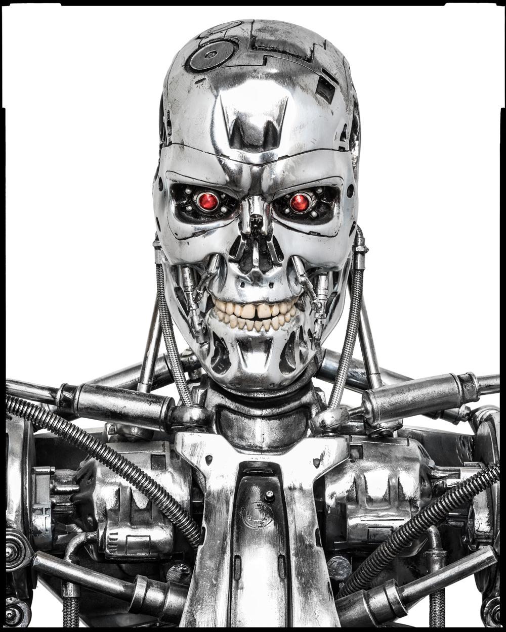 Hình ảnh một con robot T-800 đang nằm trong bộ sưu tập của Dan Lanigan.
