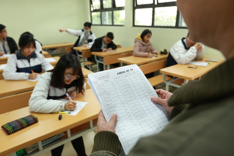 Kì thi có sự tham gia đông đảo của học sinh trong và ngoài trường. Ảnh: Hải Nguyễn