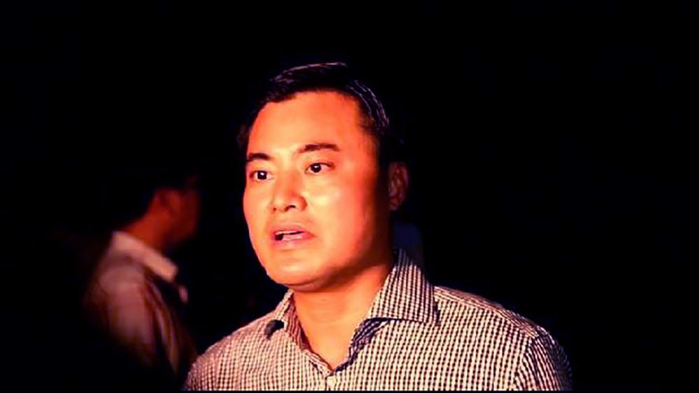 Ông Bùi Xuân Cường phát biểu tại hiện trường sập cầu Long Kiển. Ảnh: Trường Sơn