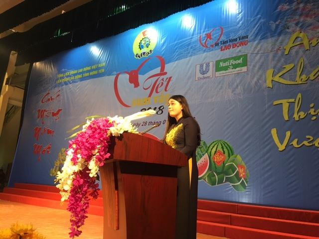 Chủ tịch LĐLĐ tỉnh Hưng Yên Nguyễn Thị Thanh Tuyết phát biểu khai mạc chương trình.