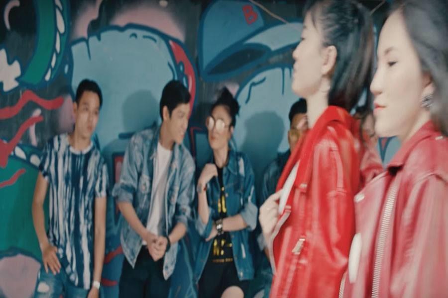 """""""Người hãy quên em đi"""" có sự tham gia của Lý Phương Châu và Hiền Sến mặc dù trước kia Lâm Vĩnh Hải là biên đạo vũ điệu cho Mỹ Tâm"""