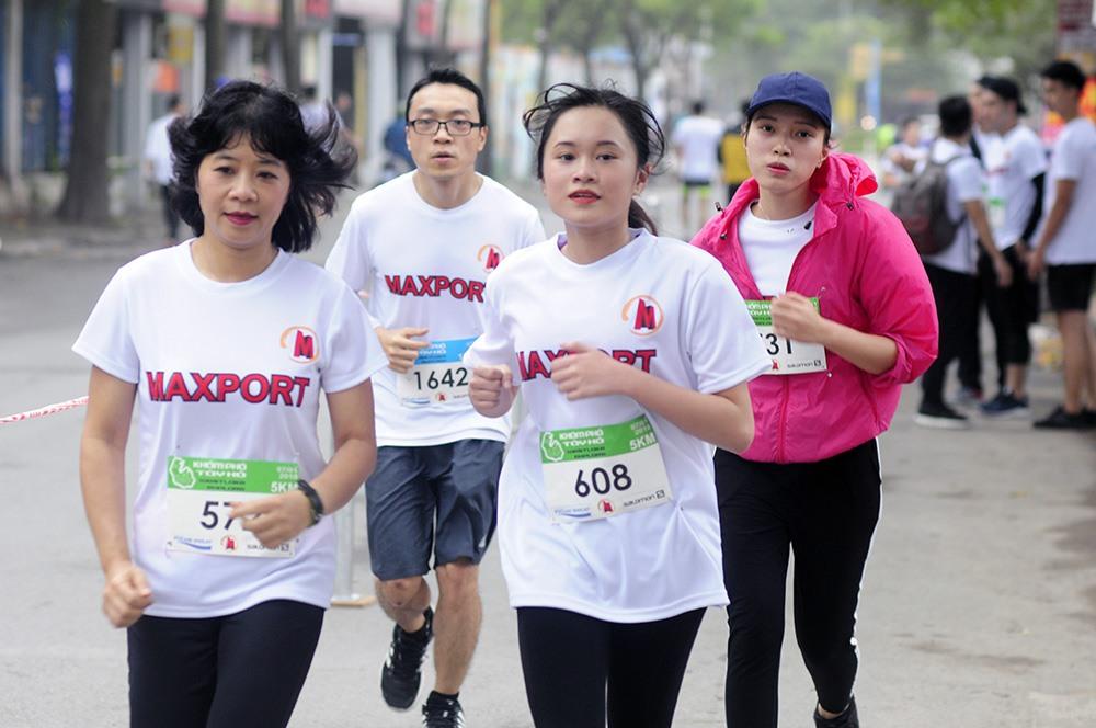 Mỗi người tham gia sẽ được ủng hộ 50.000 cho trẻ em có hoàn cảnh đặc biệt, hoàn cảnh khó khăn thành phố Hà Nội. (Số tiền các thành viên tham gia ủng hộ sẽ được chuyển về Quỹ Bảo trợ trẻ em Hà Nội.
