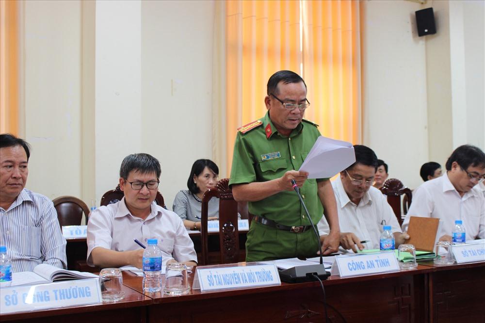 Đại diện Công an tỉnh Long An thông tin về vụ án trong một cuộc họp báo.