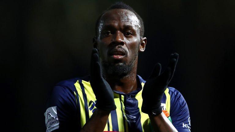 Usain Bolt có khao khát trở thành cầu thủ bóng đá chuyên nghiệp. Ảnh: Sky Sports.