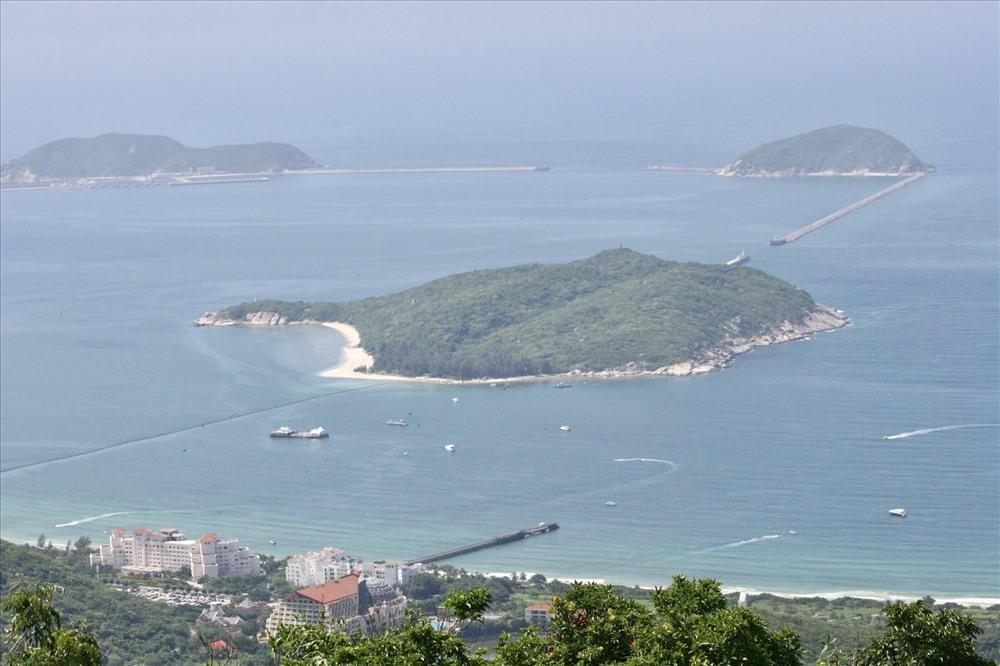 Phần lớn thực vật và động vật trên đảo Hải Nam có nguồn gốc từ Việt Nam