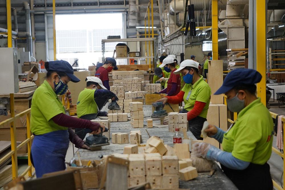 Hiệp định thương mại EVFTA mở ra nhiều cơ hội nhưng cũng không ít thách thức với các DN Việt Nam. Ảnh: Minh Khuyên-Kh.Vũ