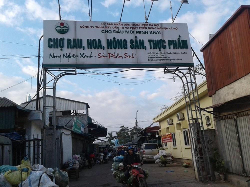 Chợ đầu mối Minh Khai: Chợ nằm tại Phường Minh Khai, Quận Bắc Từ Liêm (Hà Nội).