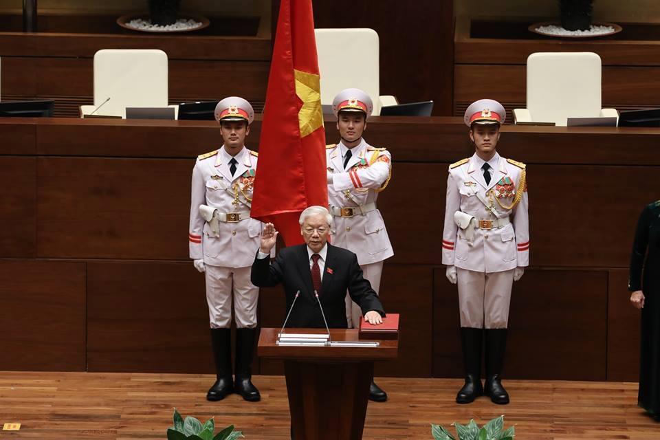 Chủ tịch Nước Nguyễn Phú Trọng tuyên thệ nhậm chức. Ảnh: Quang Vinh