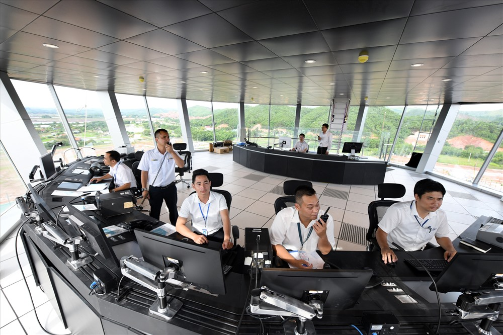 Đài kiểm soát không lưu Cảng hàng không Quốc tế Vân Đồn