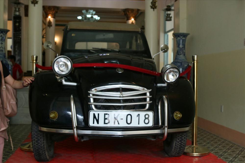 chiếc Peugeot thể thao, sản xuất năm 1922. Loại xe này cả miền Nam khi ấy chỉ có 2 chiếc, một chiếc của ông Huy còn chiếc kia là của vua Bảo Đại. Ảnh: Bảo Trung