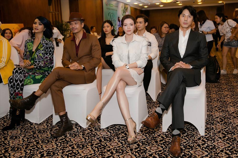 Lý Nhã Kỳ bày tỏ niềm vui khi có dịp được cộng tác với nam tài tử Hàn Quốc - Ảnh: Minh Luân Ducan.