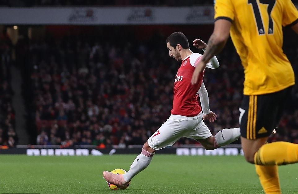 Mkhitaryan ghi bàn ấn định tỷ số 1-1 của trận đấu. Ảnh: Getty Images.
