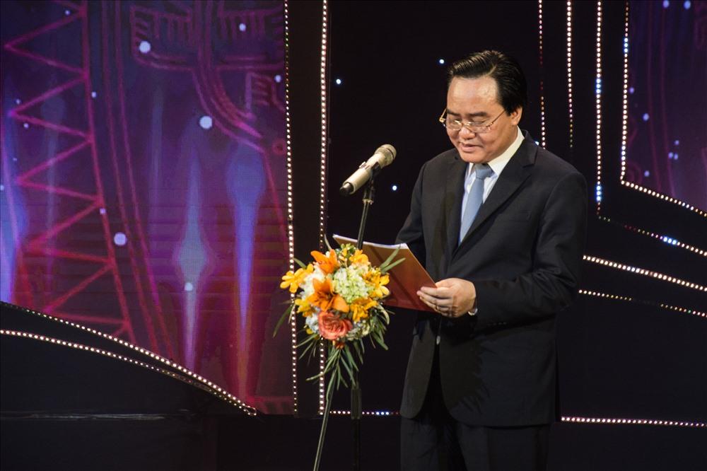 Bộ trưởng Phùng Xuân Nhạ phát biểu tại lễ trao giải.