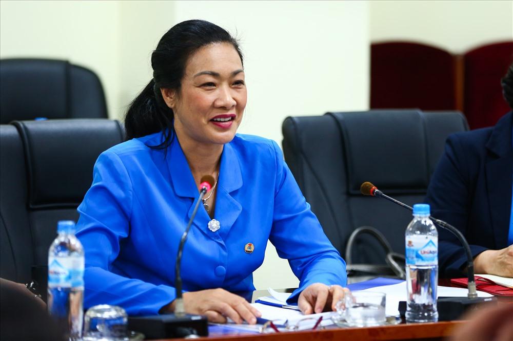 PGS.TS Phạm Thanh Bình - Chủ tịch Công đoàn Y tế VN - phat biểu tại buổi làm việc. Ảnh: Sơn Tùng