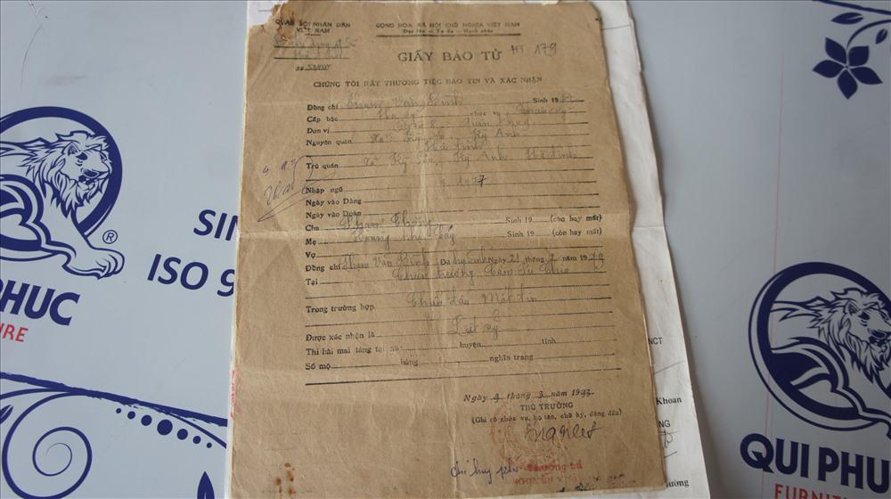 Giấy báo tử của ông Bình mang số  53/CSVT, được BCH Quân sự Hà Tĩnh ngày 9.3.1993