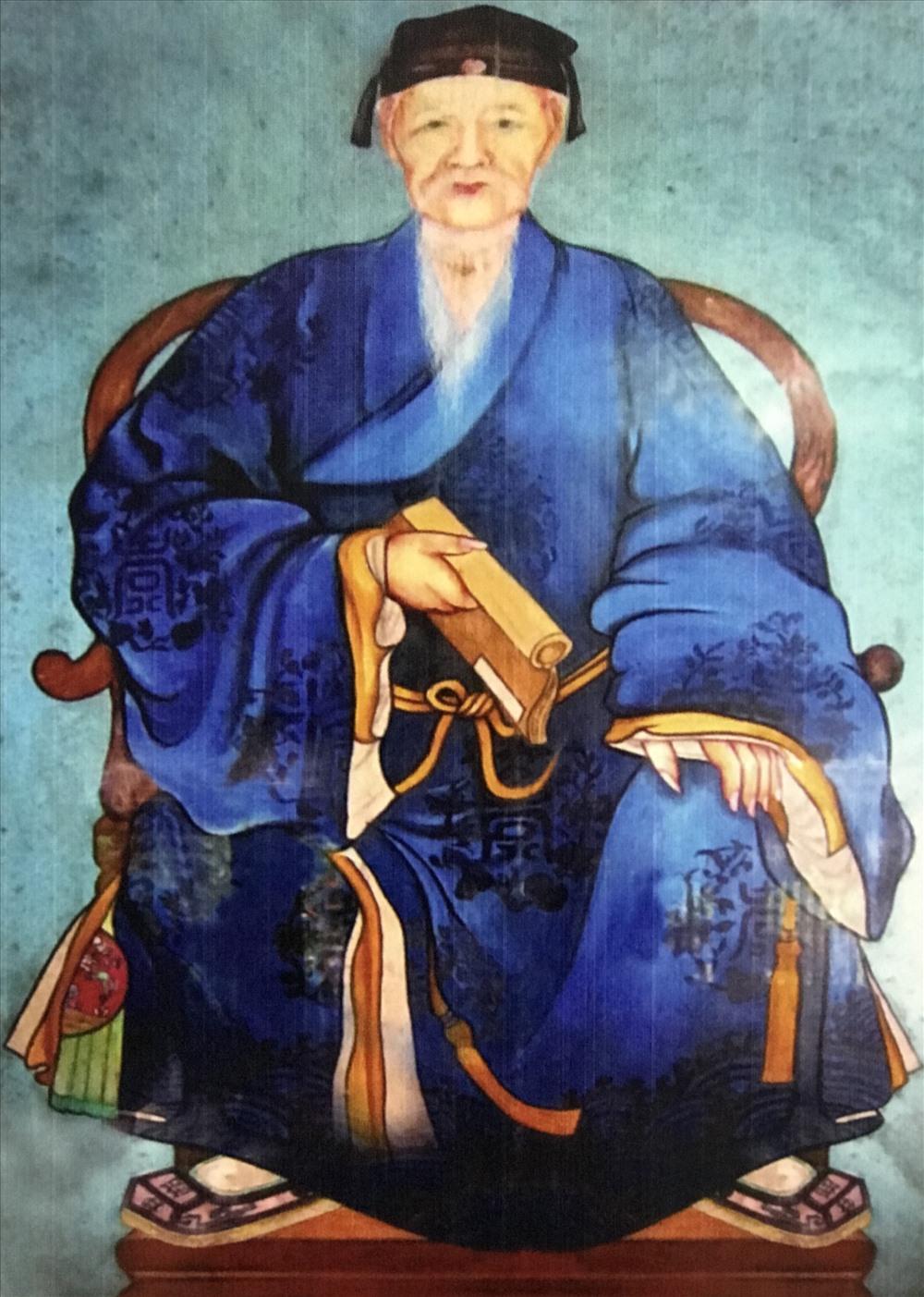 Ngự y Lê Quang Việp – quê làng Xuân Hòa, phường Hương Long, thành phố Huế - một trong những lương y nổi tiếng của Thái y viện.