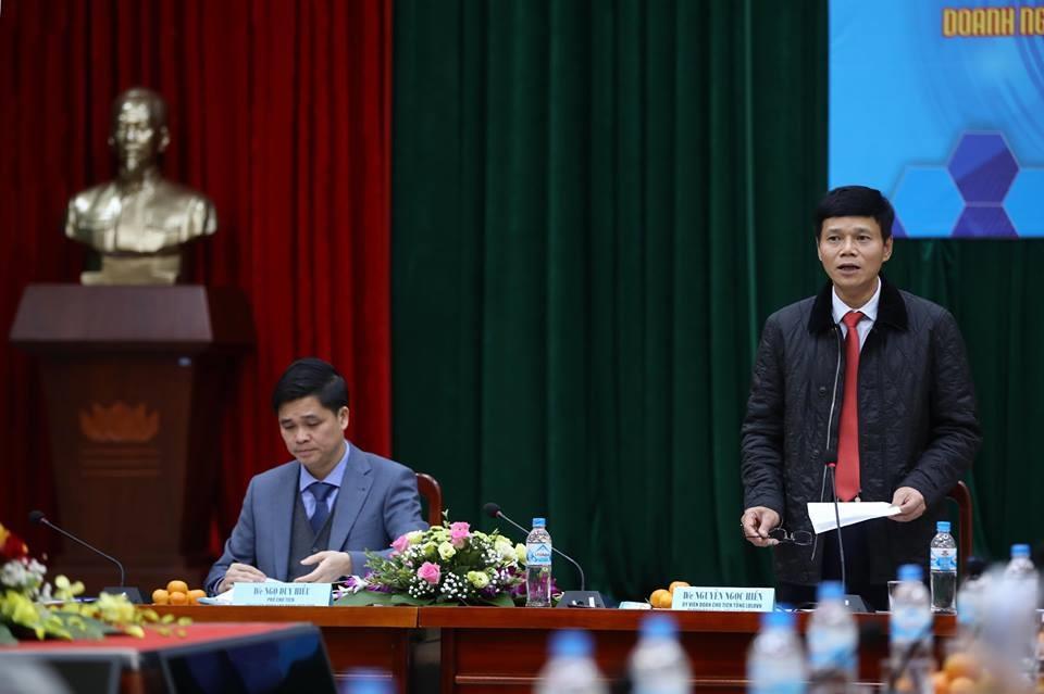 Tổng Biên tập Báo Lao Động Nguyễn Ngọc Hiển phát biểu tại họp báo. Ảnh: Sơn Tùng