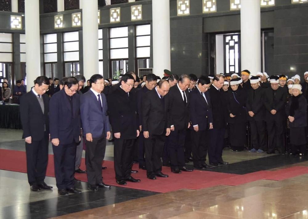 Đoàn đại biểu Chính phủ viếng đồng chí Nguyễn Văn Trân