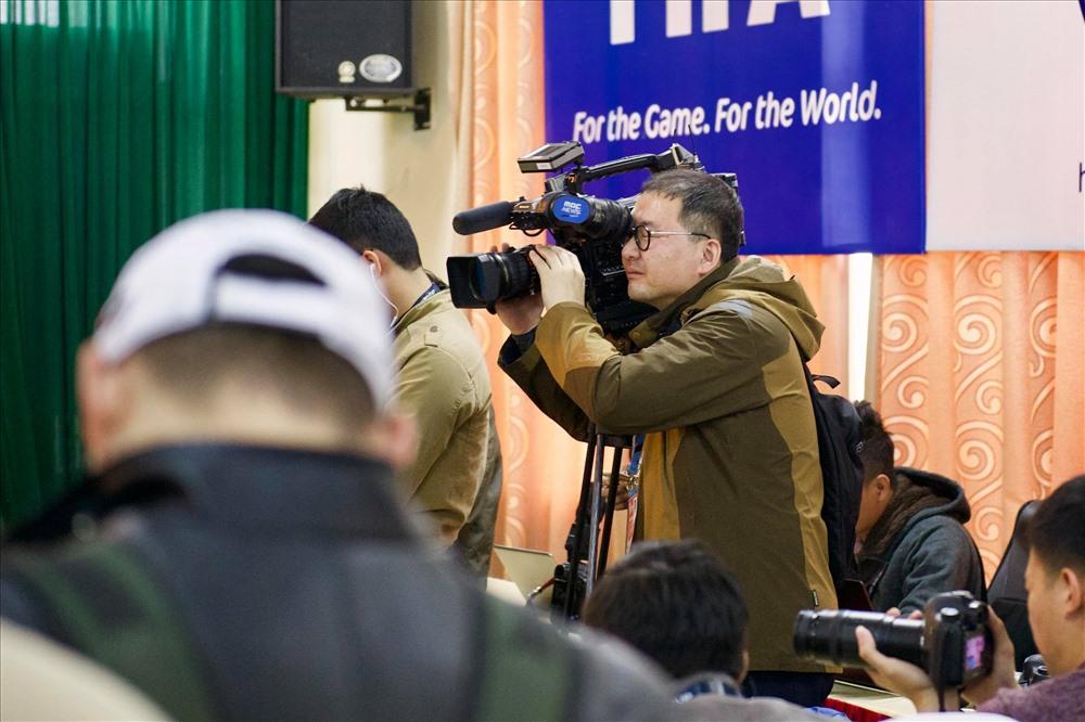 Sau những thành công của đội tuyển Việt Nam, HLV Park Hang Seo nhận được nhiều quan tâm của truyền thông Hàn Quốc.  Ngày 11/12, Liên đoàn Nhà báo Hàn Quốc đã công bố 12 nhân vật giành chiến thắng trong lễ trao giải Persons of the Year (tạm dịch: Những nhật vật của năm). người thầy của đội tuyển bóng đá Việt Nam - cũng giành chiến thắng.