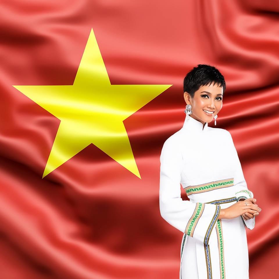 H'Hen Niê chưa bao giờ quên gửi lời chúc tới đội tuyển Việt Nam trước mỗi trận đấu.