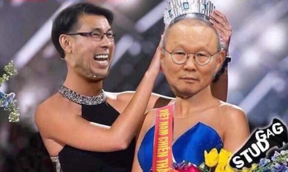 """Dù không muốn nhưng HLV của Malaysia cũng phải nhường """"vương miện"""" cho ngài Park."""