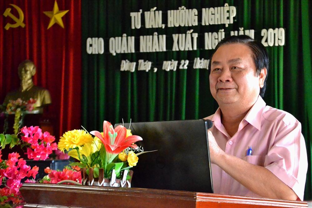 Bí thư Tỉnh ủy Đồng Tháp Lê Minh Hoan phát biểu tại buổi tư vấn, hướng nghiệp XKLĐ cho bộ đội chuẩn bị xuất ngũ. Ảnh: Lục Tùng