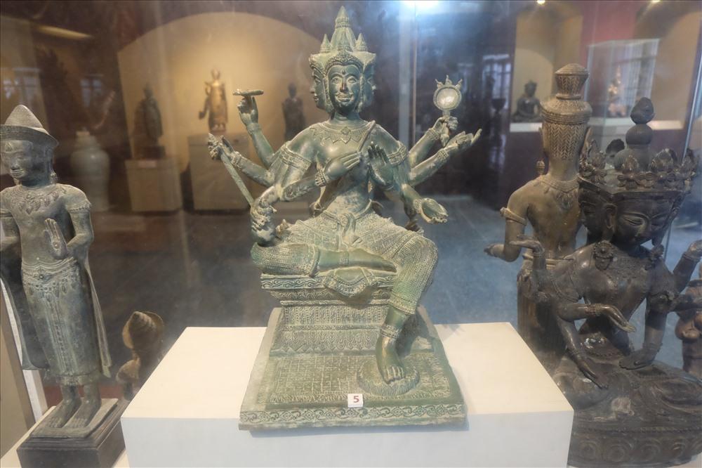 Bảo tàng là nơi chứa đựng được nhiều hiện vật, cổ vật mang giá trị ý nghĩa về mặt lịch sử và văn hóa tâm linh.