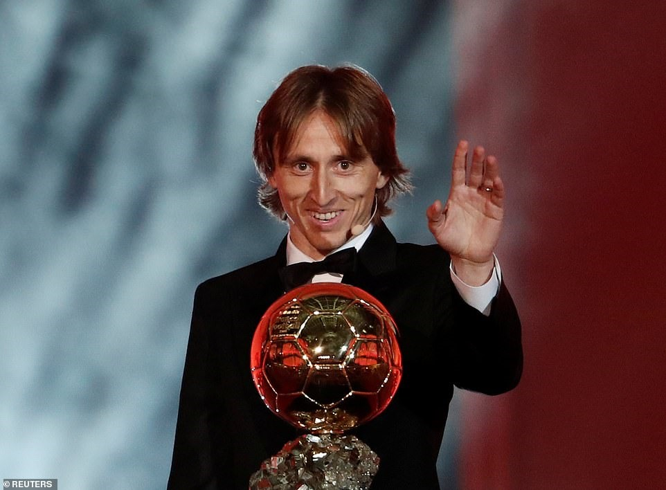 Modric đã là chủ nhân mới của QBV. Ảnh: Reuters.