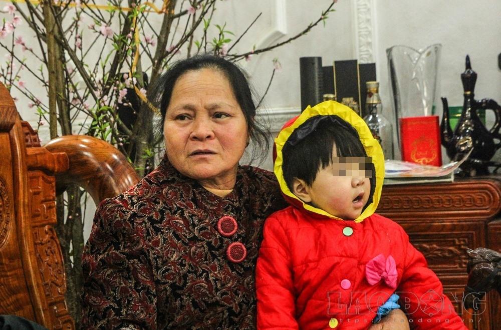 Bà Thanh dằn vặt khi để lạc mất con.