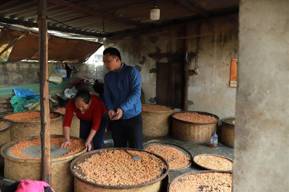 Nắm bắt được xu thế, đồng thời muốn nghề tôm nõn vươn xa. Năm 2016, Hội Sản xuất và kinh doanh tôm nõn Diễn Châu đã được thành lập với 30 thành viên. ảnh:HQ