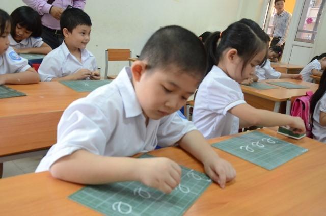 """Các trường """"lập lờ"""" trong ngôn từ để lách luật tổ chức đánh giá năng lực với học sinh tiểu học. Ảnh: HN"""