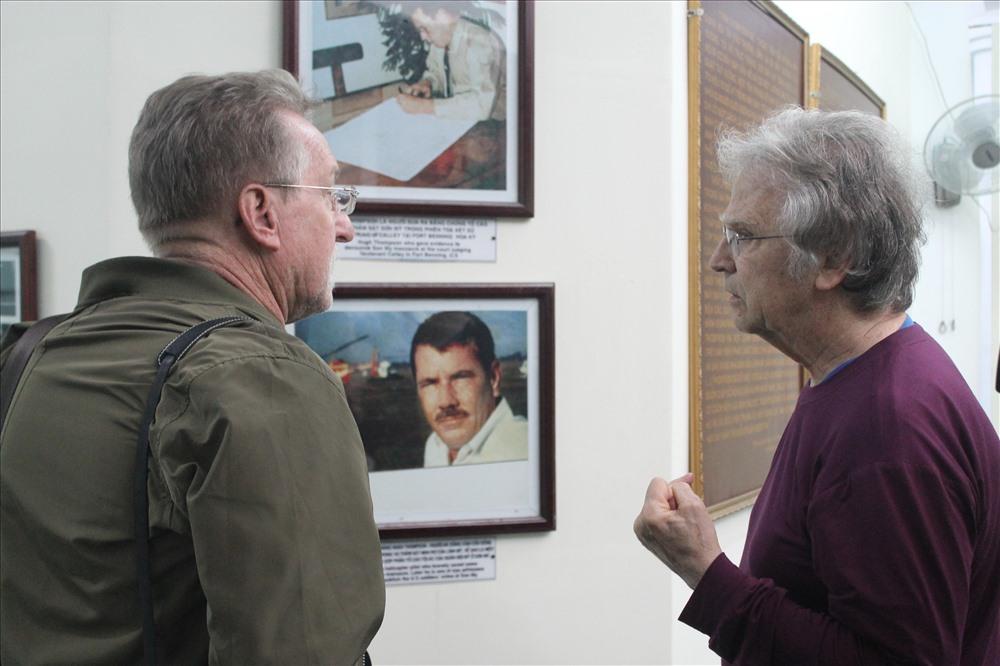 Ông Mike Hastie - tại nhà trưng bày khu chứng tích Sơn Mỹ. Ảnh: T.H
