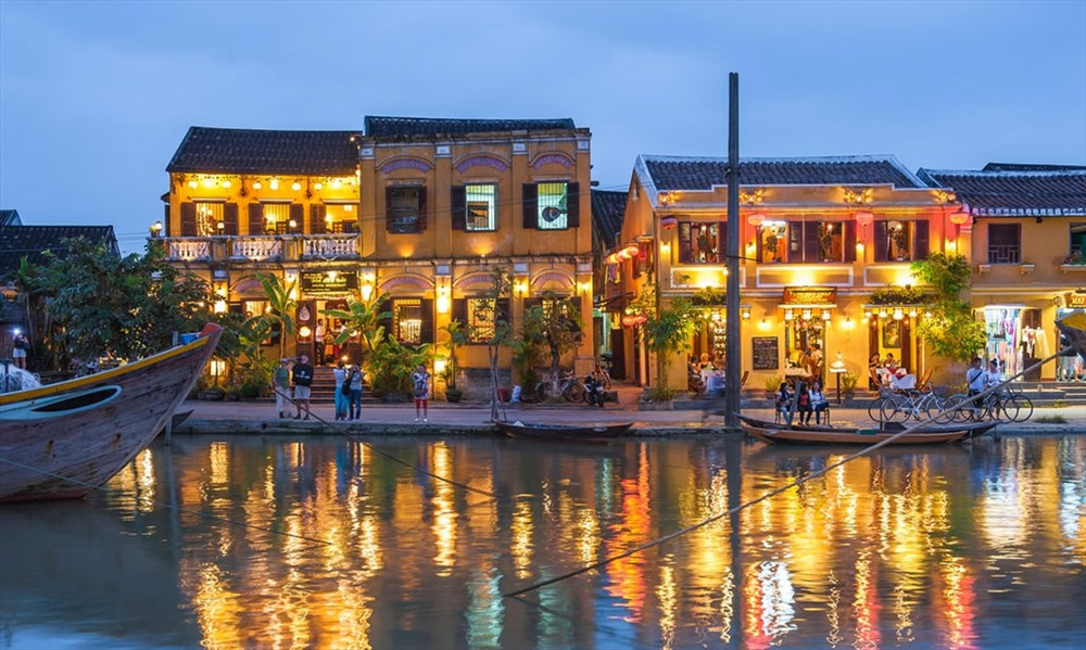 Hội An thuộc địa phận tỉnh Quảng Nam. Nơi đây từng là thương cảng hưng thịnh hồi thế kỷ XVII-XVIII.  Ảnh: Alamy.