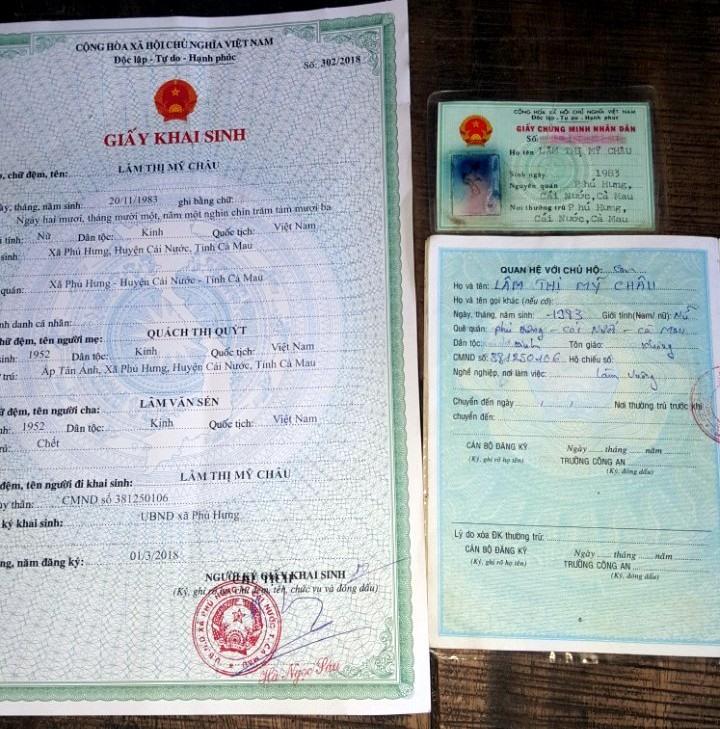 Toàn bộ giấy tờ của anh đều mang tên Lâm Thị Mỹ Châu và giới tính là nữ